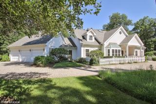 810 Eastwood Lane, Glenview IL