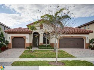 8981 Lakeview Place, Parkland FL
