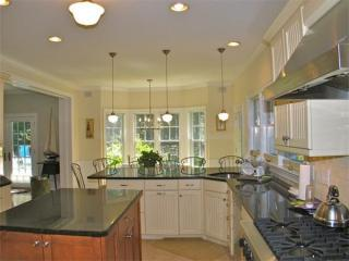 37 Memphremagog Ave #VH410, Vineyard Haven, MA 02568