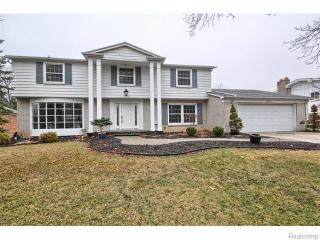 5575 Haverhill, West Bloomfield MI