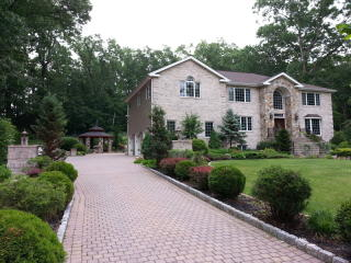 202 Peterson Place, Ramsey NJ