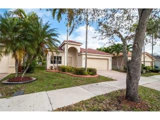 945 Tanglewood Circle, Weston FL