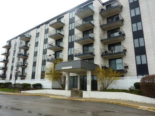 9078 West Heathwood Drive #2A, Niles IL