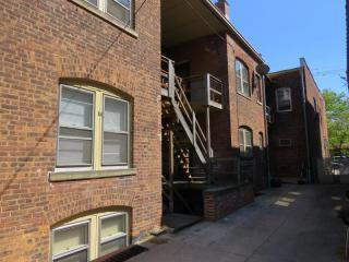 1674 Lauderdale Ave, Lakewood, OH 44107