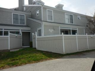175 South End Road #B9, East Haven CT