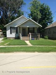 418 W Sycamore St, Carbondale, IL 62901