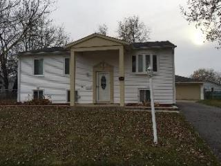35 S Chestnut Ct, Glenwood, IL 60425