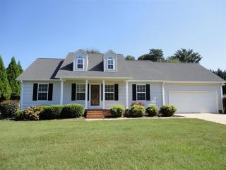 128 Orchard Spring Dr, Inman, SC 29349