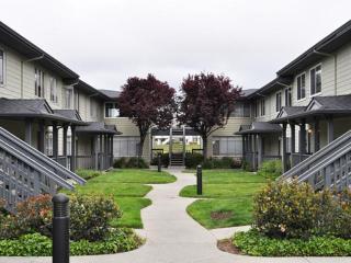 1633 Marina Ct, San Mateo, CA 94403