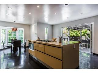 2200 Coldwater Canyon Dr, Beverly Hills, CA 90210