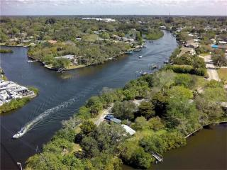 2012-2048 Montclair Drive, Sarasota FL