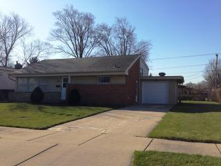 7355 Lyons Street, Morton Grove IL
