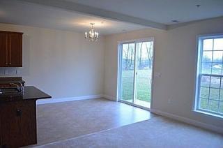 869 Fawn Ln, Hummelstown, PA 17036