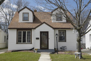 4707 North Elkhart Avenue, Whitefish Bay WI