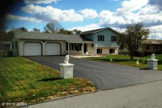 12498 Randy Dr, Greencastle, PA 17225