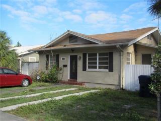 906 E Chelsea St, Tampa, FL 33603