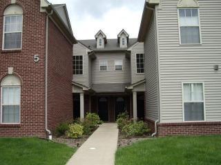1505 Addington Ln, Ann Arbor, MI 48108