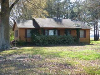 2275 Old Savannah Road, Burgaw NC