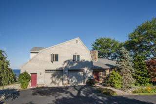 4 Salt Spray Ln, Cape Elizabeth, ME 04107