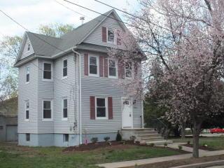 382 Dryden Street, Piscataway NJ
