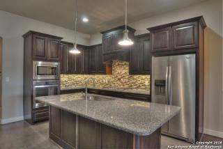 961 North Academy Avenue, New Braunfels TX