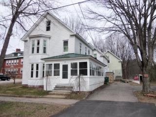 18 Railroad Avenue, Rochester NH