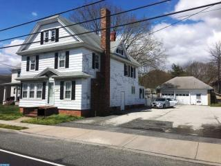 65 Chestnut St, Elmer, NJ 08318