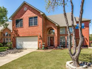 9438 Abbey Rd, Irving, TX 75063