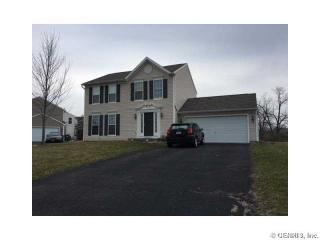 28 Starflower Dr, West Henrietta, NY 14586