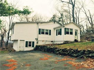 16 Deer Lane, New Fairfield CT