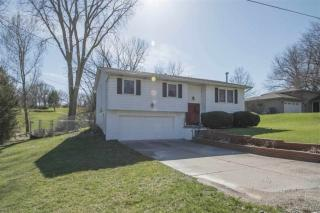3912 Valley View Drive, Bettendorf IA