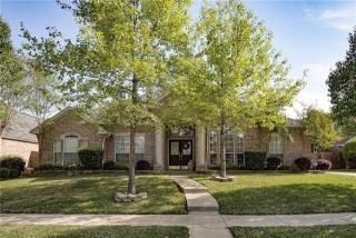 3706 Vista Chase Court, Arlington TX
