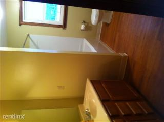 51392 Breezy Hill Rd, Saint Clairsville, OH 43950