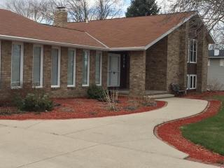 2076 Wayside Place, Green Bay WI