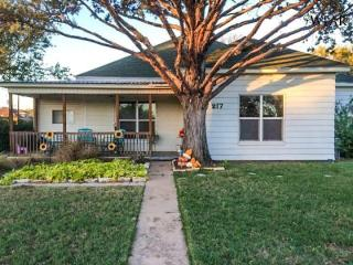 217 West Chestnut, Archer City TX