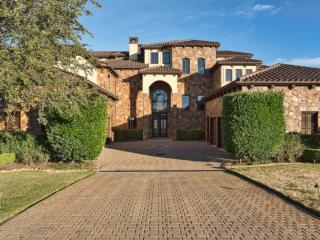 1226 Travis Bluff Way, Spicewood TX