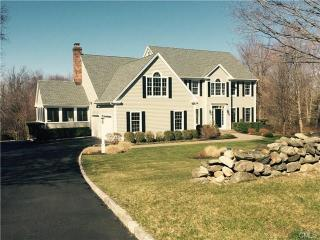 32 Mudry Farm Road, Brookfield CT