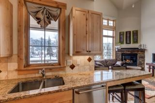 45 6th St #1, Steamboat Springs, CO 80487