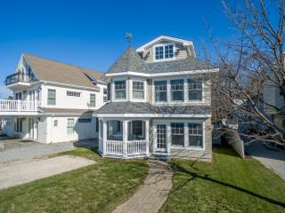 55 Middle Beach Road, Madison CT
