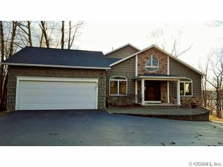 400 McEwen Drive, Webster NY