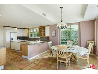 1642 Chastain Pkwy E, Pacific Palisades, CA 90272