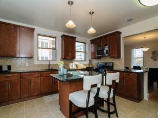 998 Stewart Ave, Garden City, NY 11530