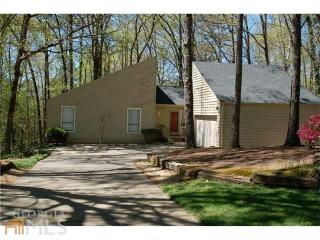 2710 Huckleberry Path, Marietta GA