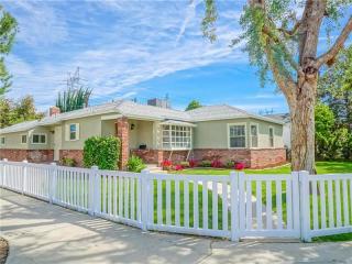 5732 Wilbur Avenue, Tarzana CA