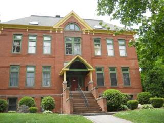 58 Woodley Court #16, Meriden CT
