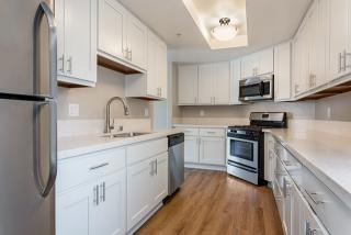 250 W Stocker St #201, Glendale, CA 91202
