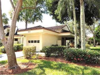 332 Northwest 94th Terrace, Plantation FL