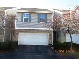 23 Colonial Court, Streamwood IL