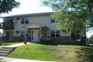 905 N Clover Ln, Cottage Grove, WI 53527