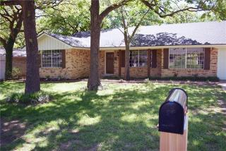 737 West Pleasantview Drive, Hurst TX